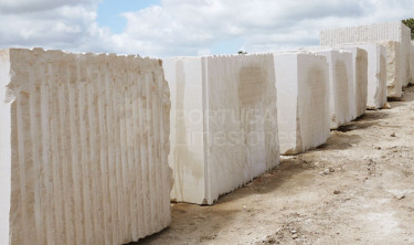 1blocks-limestone-quarry
